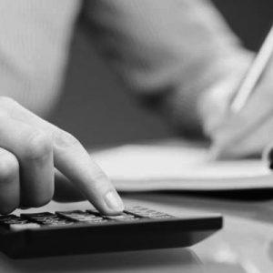 Vertenza di lavoro domestico, qual è la differenza tra stragiudiziale e giudiziale?